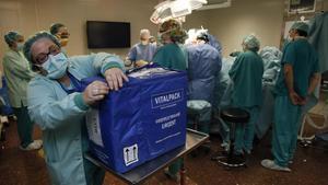 Un transplante de órgano en el Hospital Clinic.