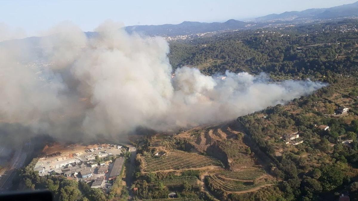 Imagen aérea del incendio forestal en Terrassa de la pasada semana