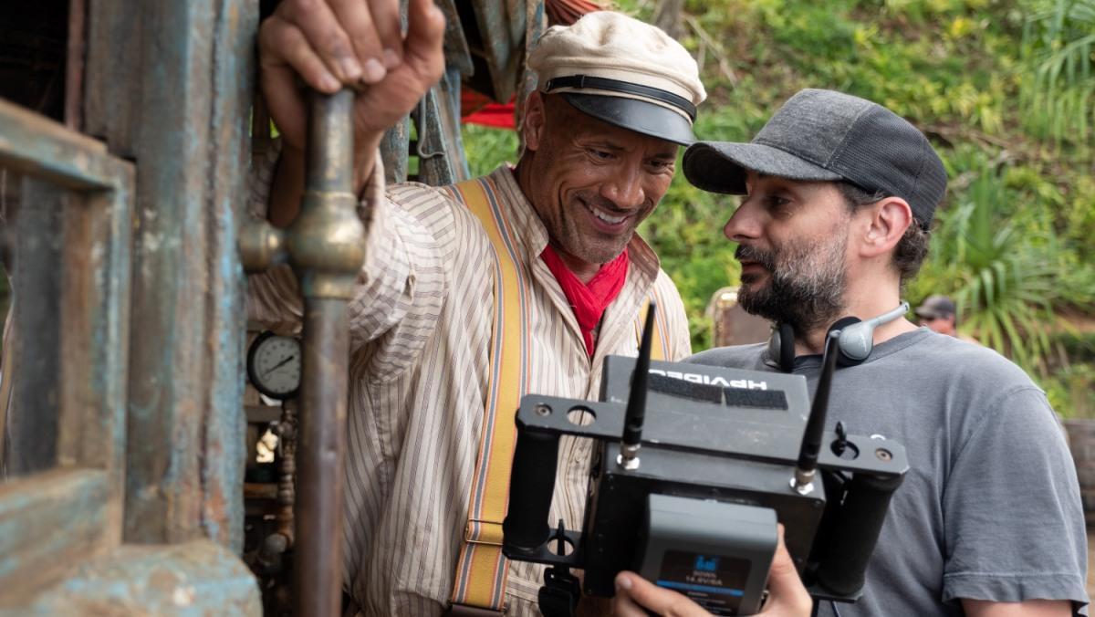 El director Jaume Collet-Serra (derecha) junto al protagonista, Dwayne Johnson.