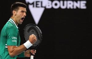 Djokovic saca su rabia para eliminar a Zverev en Australia