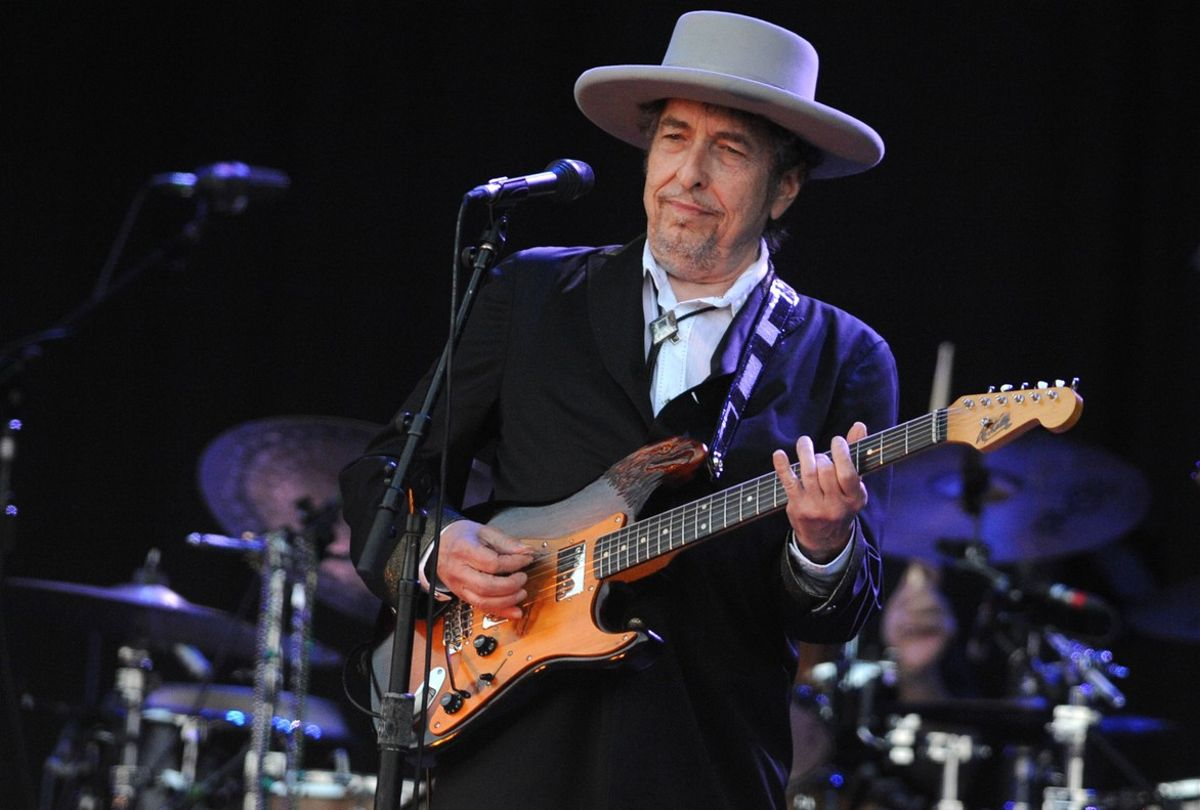 Bob Dylan, durante una actuación en Francia, en julio del 2012.