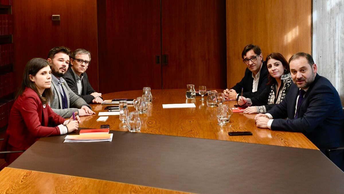 El PSOE i ERC fan passos per a una negociació entre governs