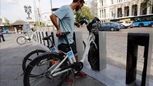 Madrid 'desprivatiza' el 'bicing' por su mal funcionamiento