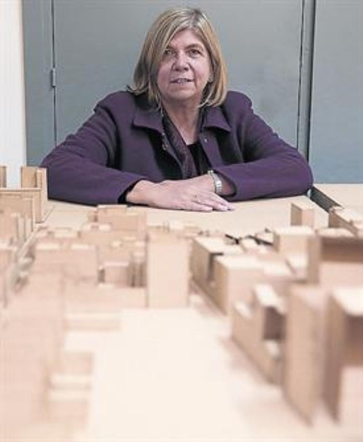 Pilar García-Almirall, catedrática de la ETSAB-UPC: «Un piso pierde valor si está desocupado»
