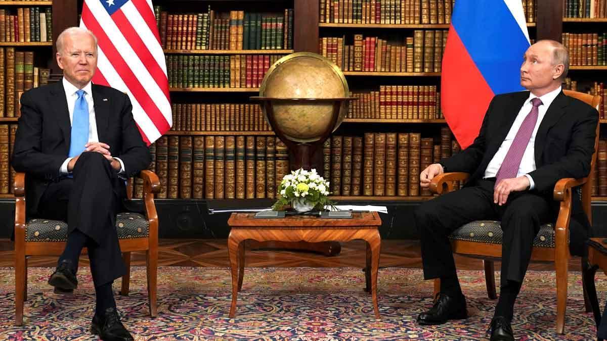 Biden i Putin desbrossen a Ginebra el camí d'un incert i complicat diàleg