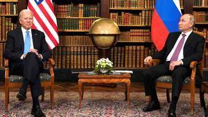 Biden le dice a Putin que es mejor verse a cara a cara.