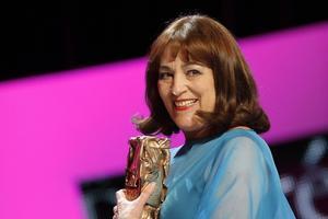 Carmen Maura, recogiendo un premio Cesar en febrero del 2012.