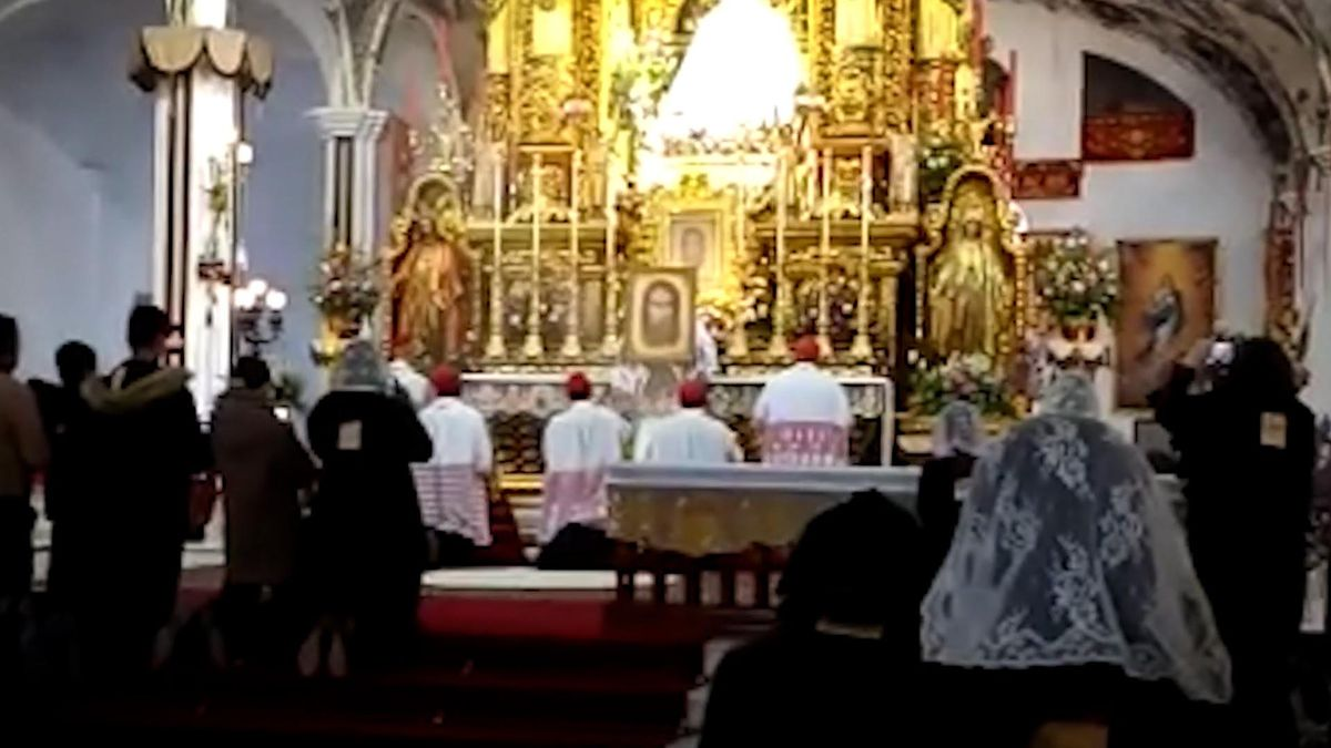 La misa de Navidad que desató el covid en El Palmar de Troya.