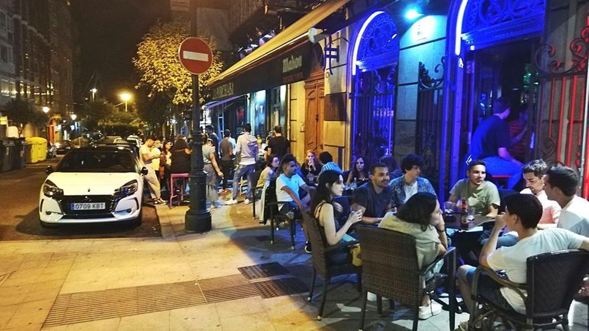 Sanidad y las comunidades autónomas se enfrentan por el ocio nocturno
