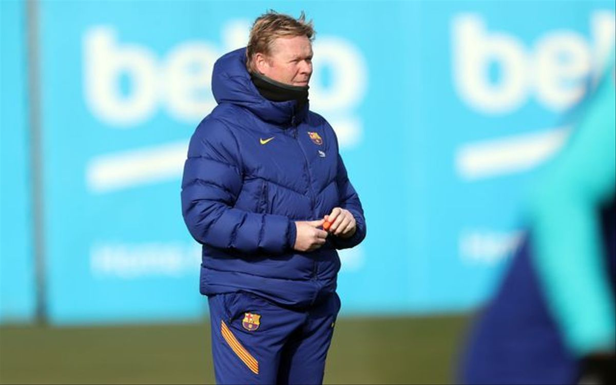 Koeman, en el entrenamiento del Barça en la ciudad deportiva.