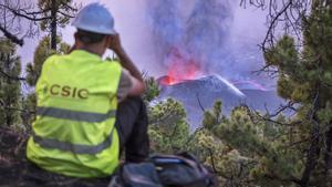 Las entrañas del volcán de La Palma se derrumban