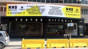 Acceso al Teatre Victòria.