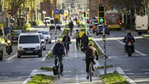 Paseo de Sant Joan, el miércoles. Más bicis que vehículo a motor