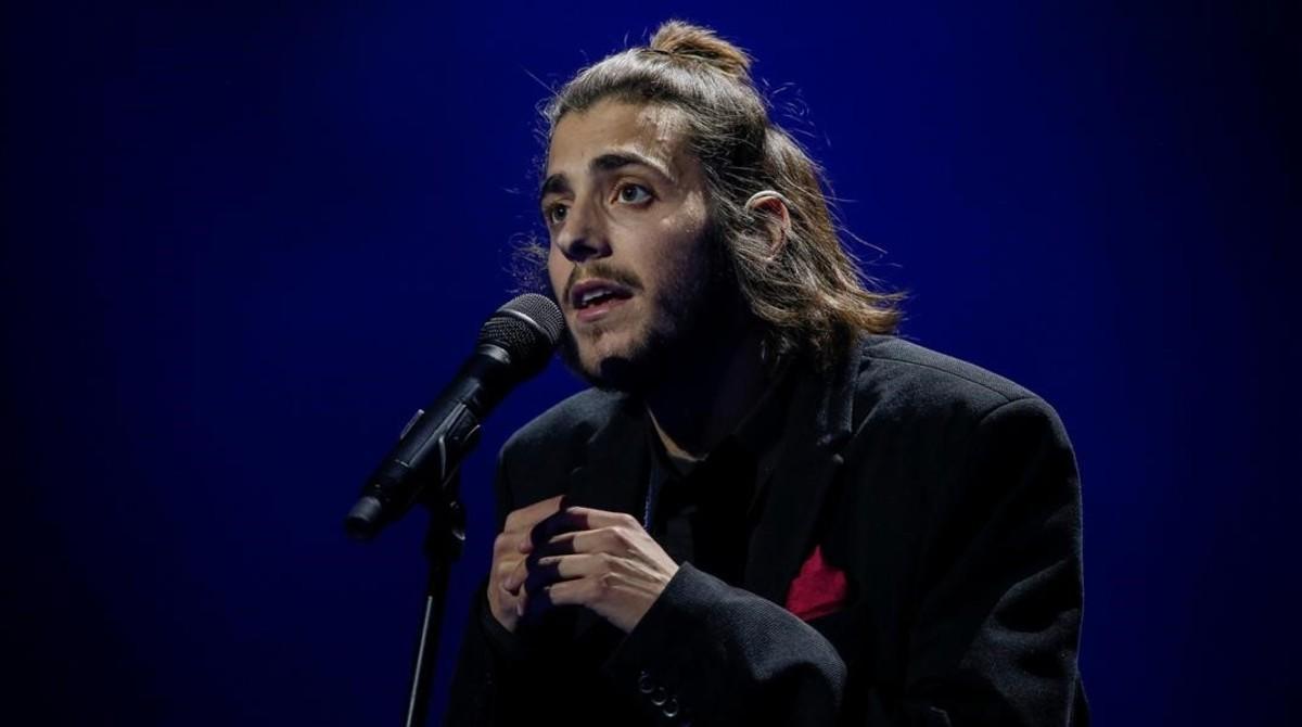 El cantante Salvador Sobral, representante de Portugal en el Festival de Eurovisión 2017, durante uno de los ensayos en Kiev.
