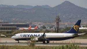 Idas y venidas en el aeropuerto barcelonés de El Prat el último día de julio