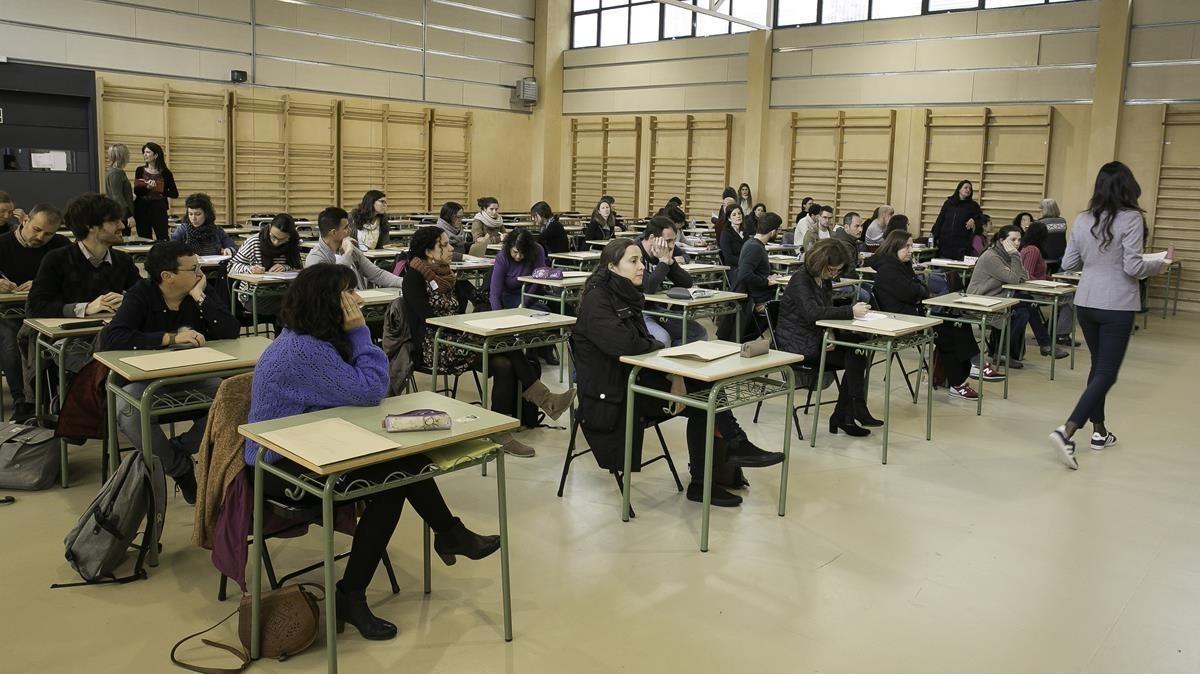 Sala del instituto Secretari Coloma de Barcelona donde se realizaron pruebas de las oposiciones docentes el pasado 14 de abril.