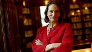 La cofundadora de Podemos, Carolina Bescansa, en la biblioteca del Congreso.
