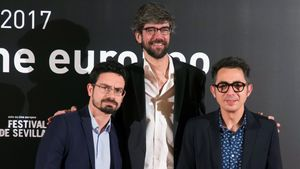 Carlo Padial, director de 'Algo muy gordo', con Javier Botet y Berto Romero.