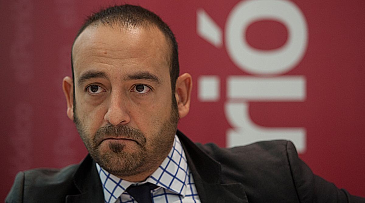 Jordi Cañas mientras el diputado de la CUP cita a Franco y Espartero en el Parlament: Que lástima.