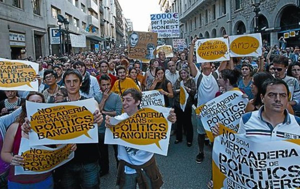 Manifestación en Barcelona contra políticos y banqueros.