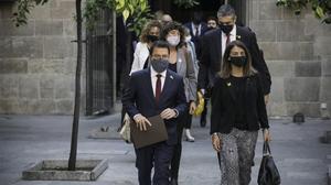 El 'vicepresident' con funciones de 'president' Pere Aragonès y la 'consellera' portavoz, Meritxell Budó (JxCat), el 30 de septiembre.