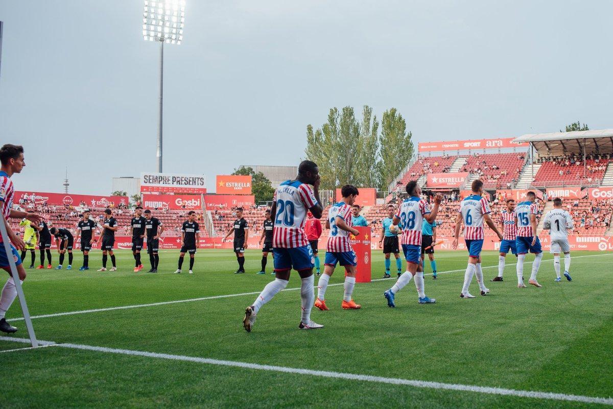 El Amorebieta, en el instante histórico de debutar en Segunda, ante el Girona.