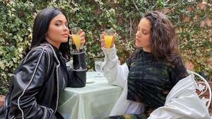 Kylie Jenner y Rosalía, en la foto de Instagram que daba testimonio de su complicidad.