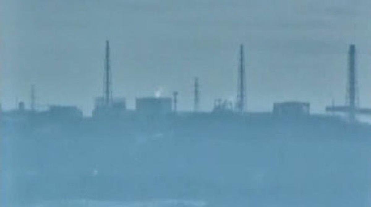 El Gobierno nipón eleva a 7, el máximo nivel de gravedad, la situación en la central nuclear.