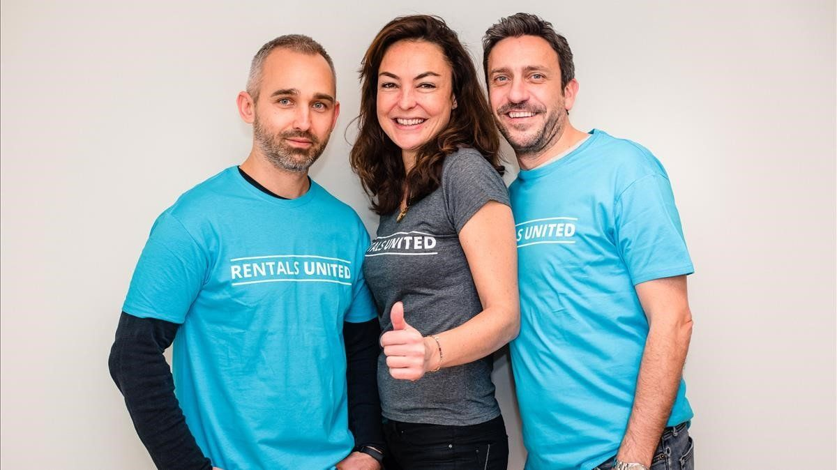 Emil Majkowski, Vanessa de Souza Lage y James Burrows, cofundadores de la start-up Rentals United.