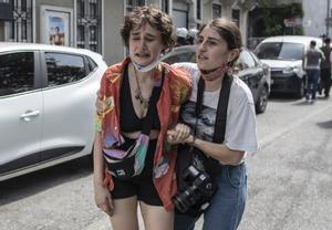 La Policía turca carga contra el desfile del Orgullo Gay en Estambul
