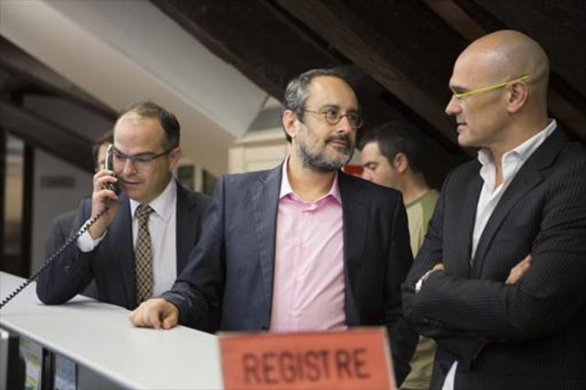 Turull, Baños y Romeva, en el registro del Parlament, el pasado viernes.