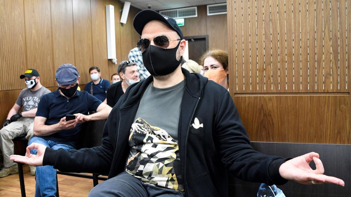 Kirill Serebrennikov espera el veredicto a su juicio, en Moscú, en junio de 2020.