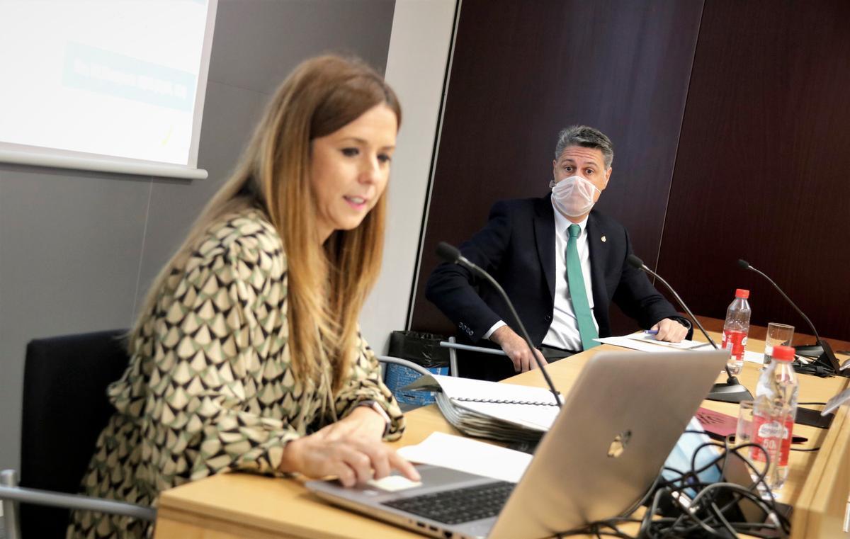 La concejala de Comunicación de Badalona, Rosa del Amo, junto al alcalde Xavier García Albiol en una imagen de archivo.