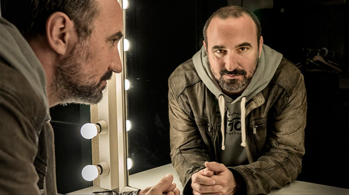 El director, guionista y productor de cine y televisiónnos habla sobre la serie 'Sé quién eres', de Tele 5.