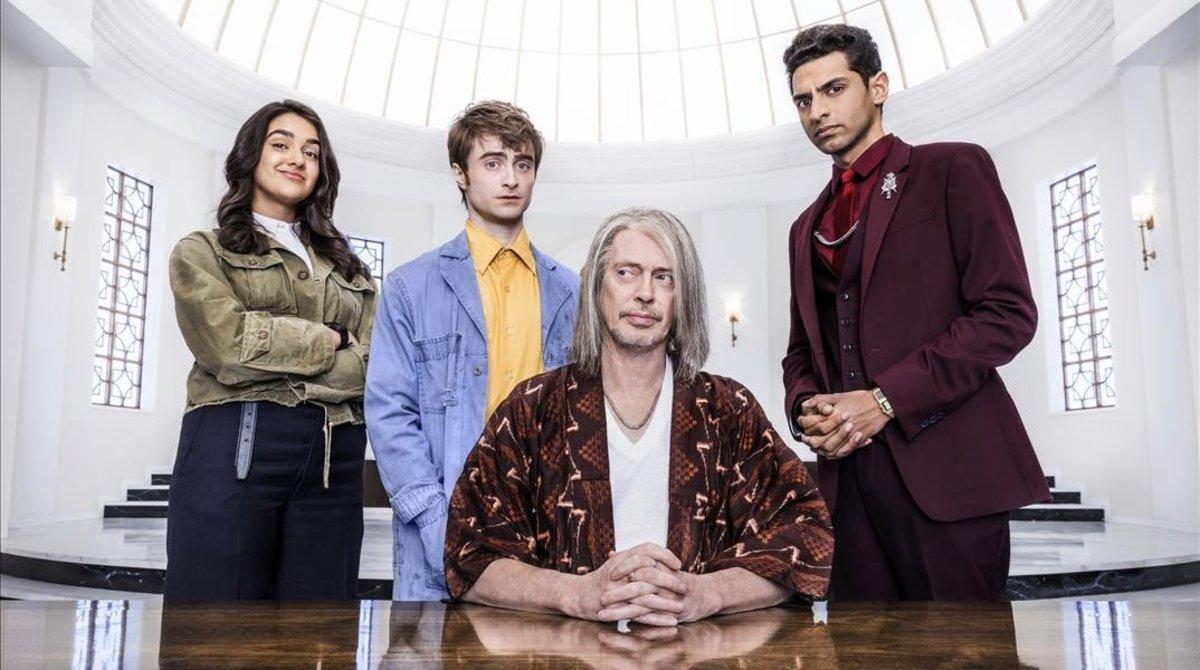 Geraldine Viswanathan,Daniel Radcliffe,Steve Buscemiy Karan Soni, los protagonistas de la serie.