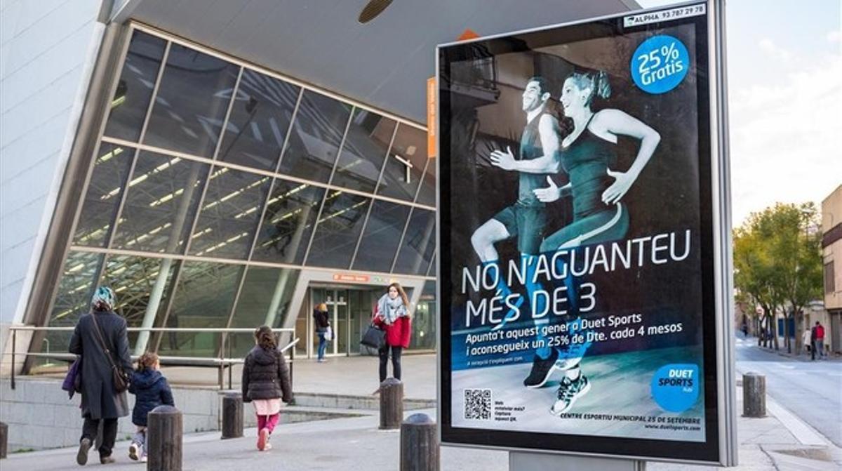 Un anuncio de Duet Sports en Rubí una vez modificado.
