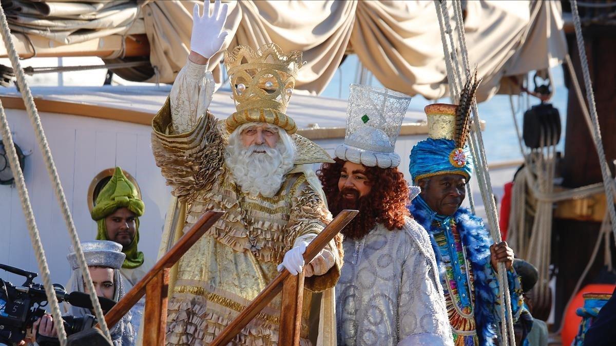 Els Reis de l'Orient i la fada missatgera adapten la seva visita a Santa Coloma per la Covid-19