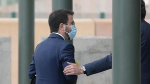 ERC y JxCat comienzan a desencallar el diseño del nuevo Gobierno independentista. En la foto, Pere Aragonès, a su llegada a la cárcel de Lledoners.