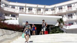 El hotel Marina Sand de Lloret de Mar, uno de los establecimientos cerrados por orden municipal.