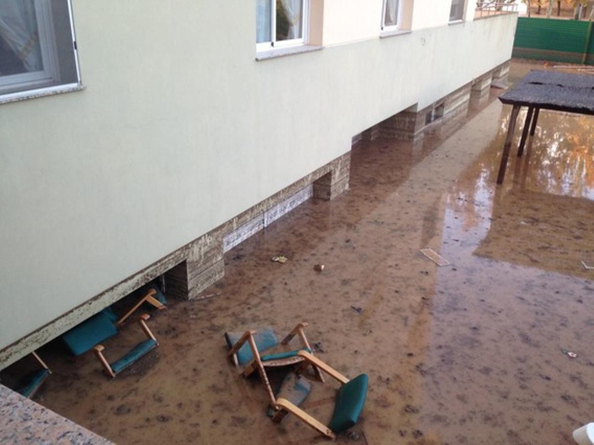 La inundación afectó el sótano del geriátrico de Agramunt.