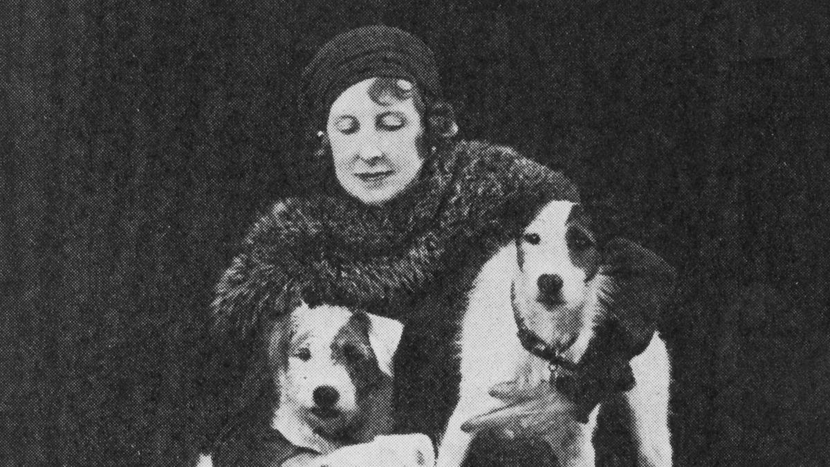La escritora británica Elizabeth Von Arnim.