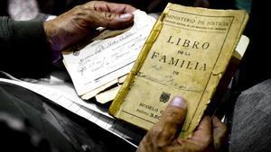 El Llibre de família deixa d'expedir-se aquest divendres