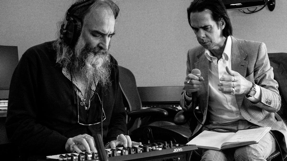 Nick Cave y Warren Ellis, en la grabación del disco 'Carnage'.