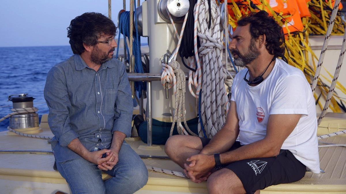 Jordi Évole y Òscar Camps, en la película documental 'Astral'.