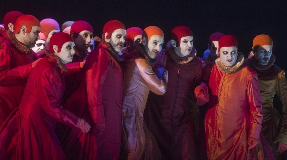 El coro del Liceu, en una escena de 'Rigoletto'.