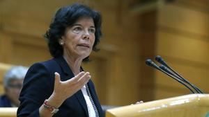 La ministra Celáa en una intervención en el Senado.