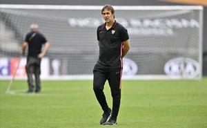 Julen Lopetegui, durante el último entrenamiento del Sevilla en Colonia.