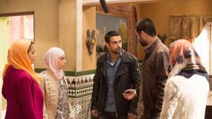 Fran y Morey desactivan la bomba en el encuentro hispano marroquí, en «El príncipe»