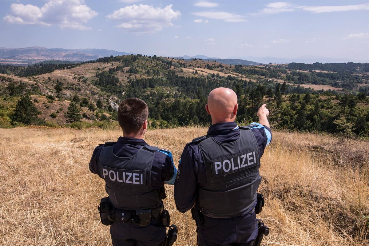 Almenys deu ferits en les protestes per un assassinat en mans de la policia albana