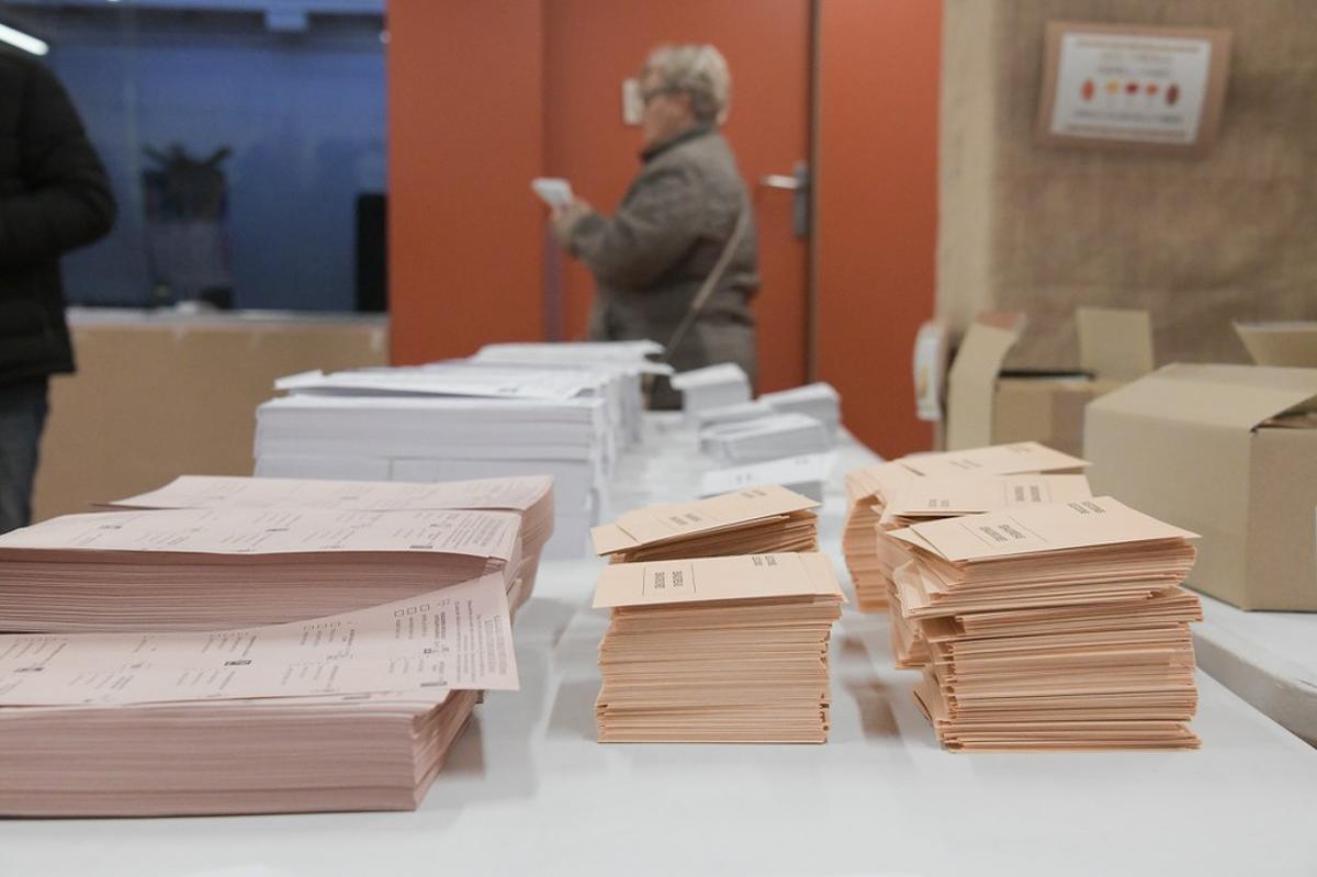 El TSJC mantiene las elecciones catalanas el 14-F de forma cautelar.
